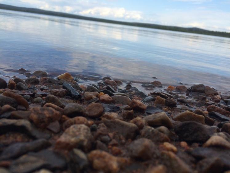 rovaniemi-finland-river-rocks