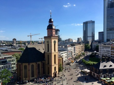 skyline-view-from-galeria-kaufhof-frankfurt-church