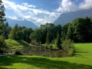 linderhof-castle-garden-mountains-lake-germany